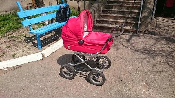 Продам детскую коляску люльку Inglesina